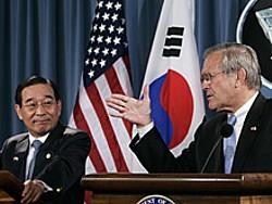 rumsfeld-korea2006a